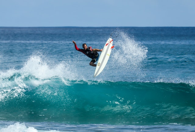 Explore surfing with best surfing bathing suits